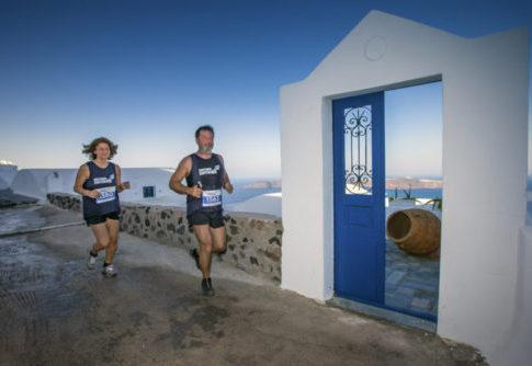 4_Santorini Experience running_by Loukas Hapsis