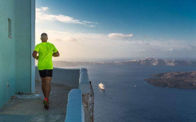 Μοναδικές εικόνες από τον αγώνα τρεξίματος με θέα το ηφαίστειο (photo by Elias Lefas)