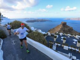 Running-@-Santorini-Experience-(photo-by-Babis-Giritziotis)